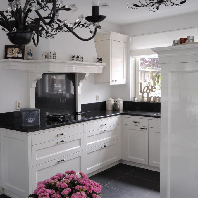 Landelijk hand geschilderde keuken