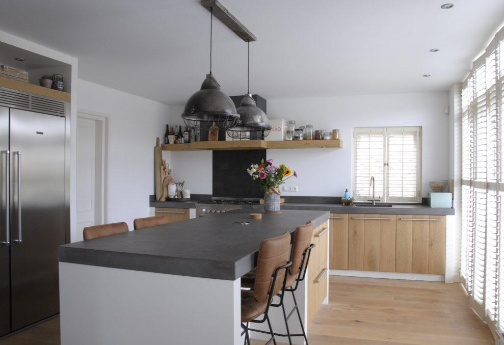 Houten keuken met eiland Pure Dutch